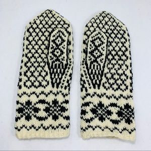 My long time vintage winter snow gloves